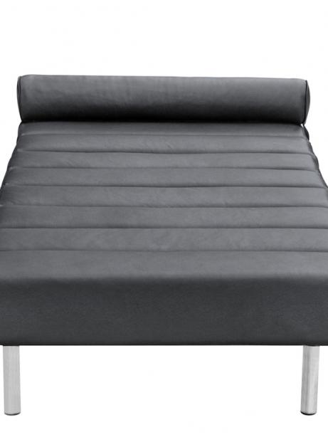 Black Leather King Stretch Bench 461x614