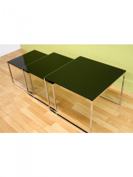 Glassy Side Table 2 461x614