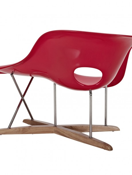 Red Swan Chaise Chair 3 461x614