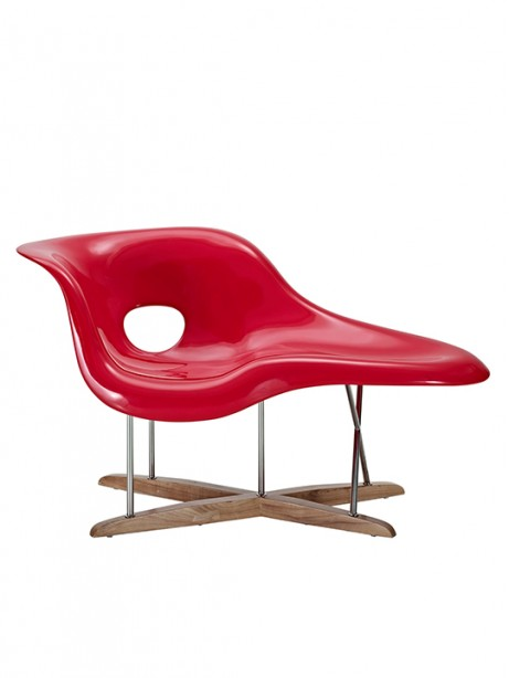 Red Swan Chaise Chair 461x614