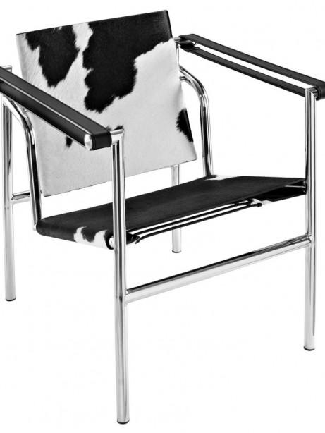 BlackandWhite Attache Chair 1 461x614