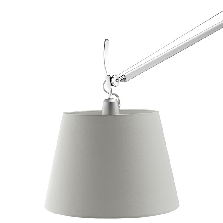 pose floor lamp black base 3