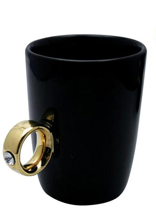 Diamond Ring Cup Black With Gold RIng