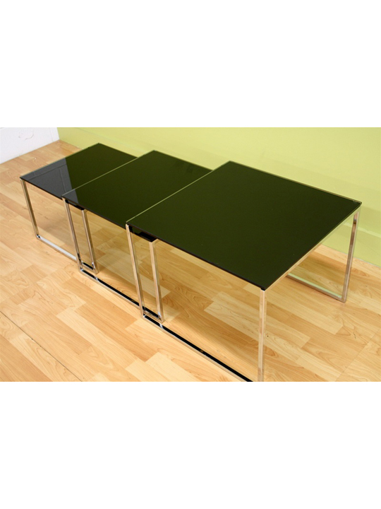 Glassy Side Table 2