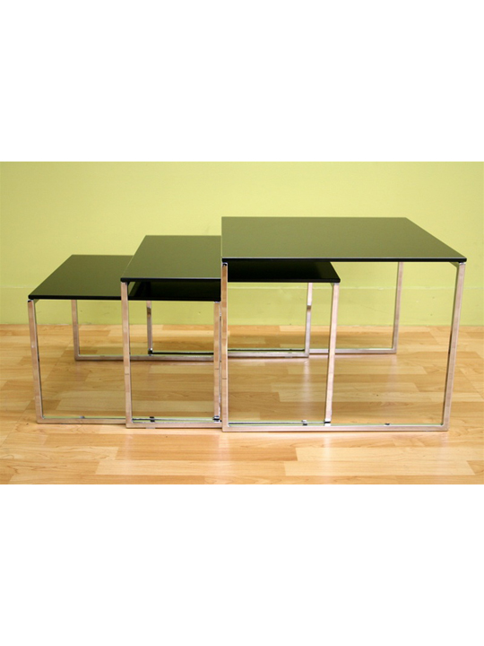 Glassy Side Table 3