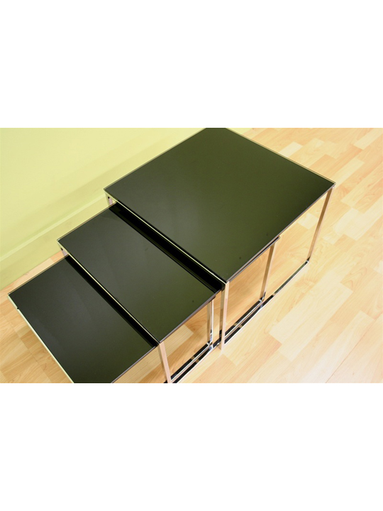 Glassy Side Table 4