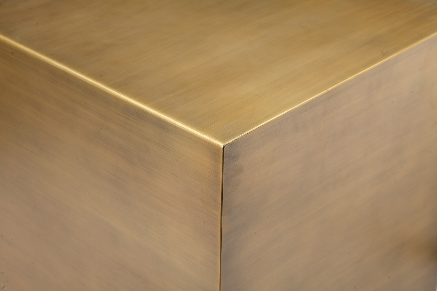 gold cube table